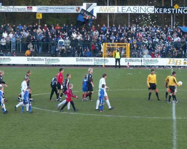 Der TuS Paderborn Schloß-Neuhaus SC 07… dings spieltBundesliga