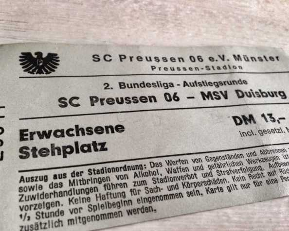 Heute vor 25 Jahren: Preußen Münster steigt in die 2. Ligaauf…