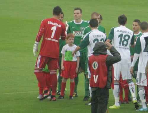 Diego Benaglio (links). Ebenfalls im Bild (rechts): Mario Mandzukic.