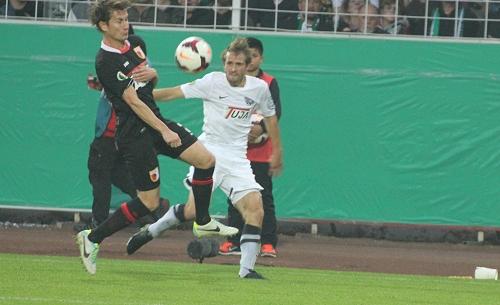 Paul Verhaegh (links), hier mit dem FC Augsburg in Münster.